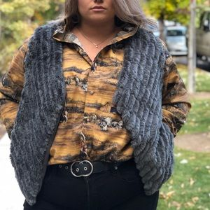 BB Dakota NWT $94 Gray pipe faux fur vest blogger